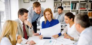 leader inspires employees